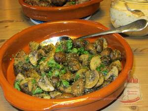 Champignons in Petersilienpesto